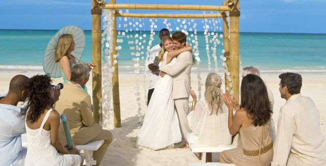 Honeymoons Inc